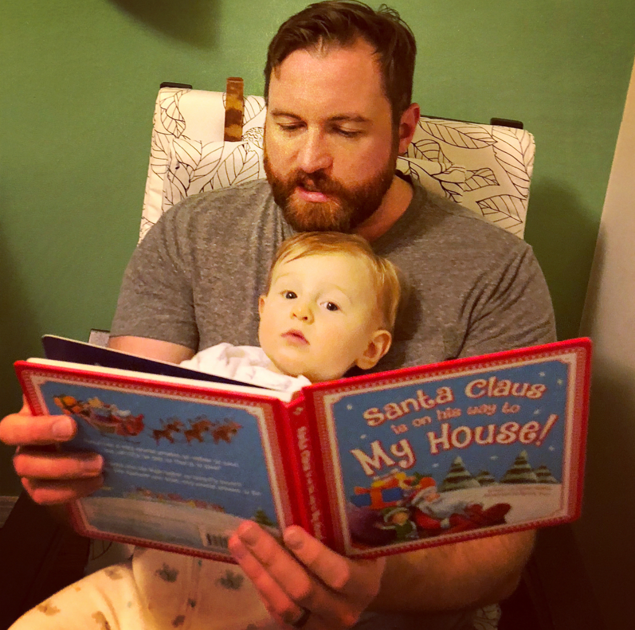 jim reading to son 2017 christmas